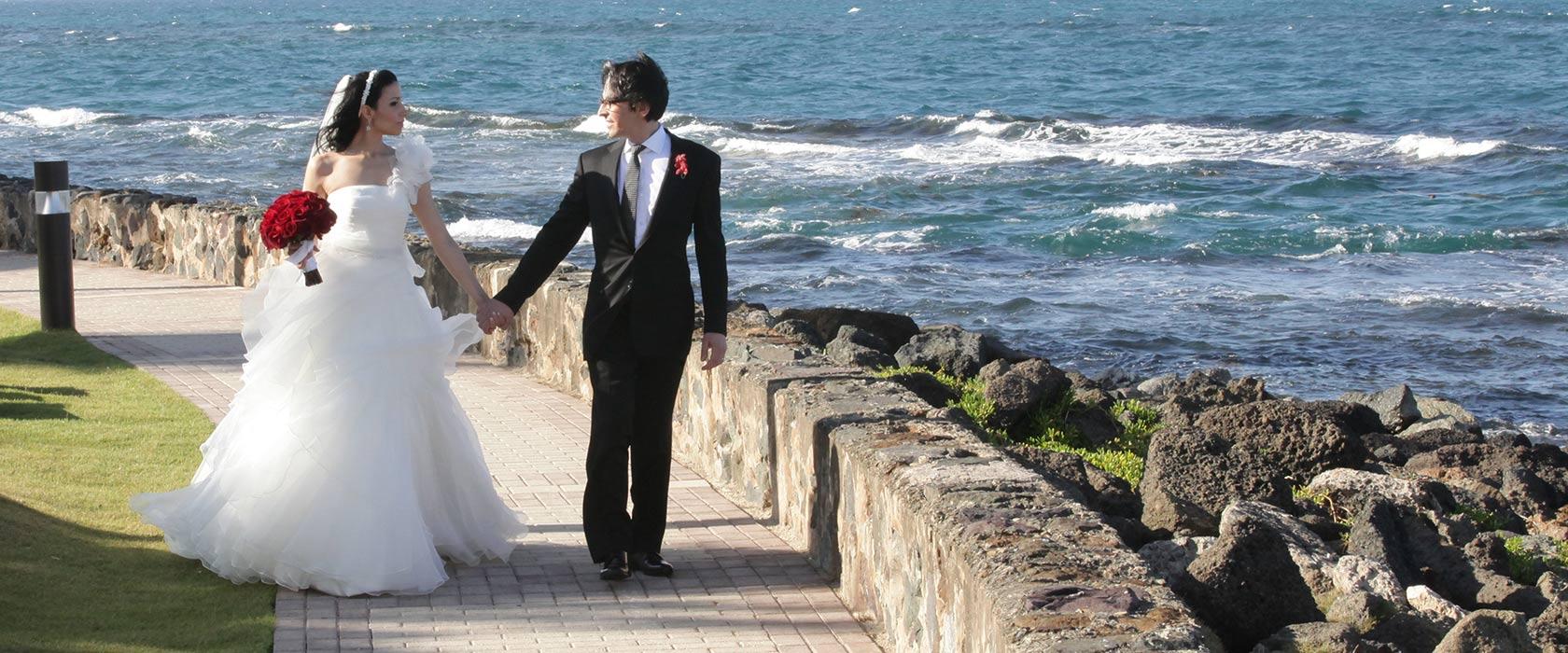 Hilton Caribbean Weddings: Caribe Hilton, San Juan Beach Wedding